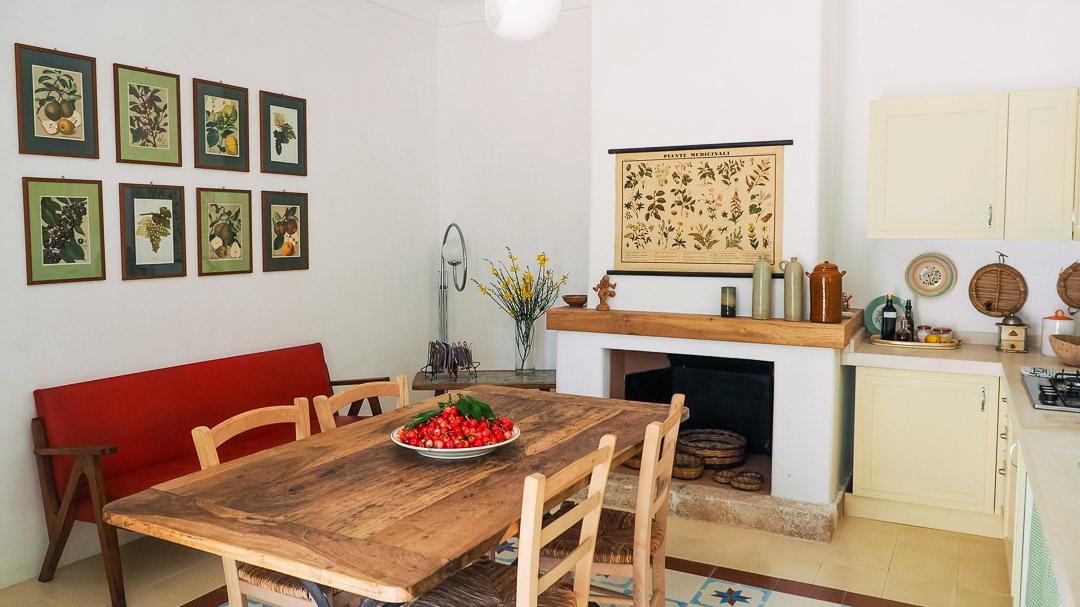 Dottato, sala da pranzo e cucina - Agriturismo nei Giardini di Pomona