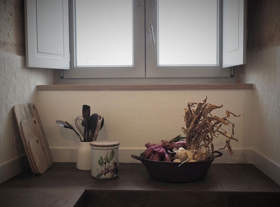 Ostello, dettagli cucina - I giardini di Pomona